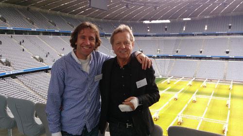 Ansgar Spörlein mit Mentor Klaus Eder, Sportphysiotherapeut der deutschen Nationalmannschaft, beim Physio-Kongress 2013 in der Allianz Arena