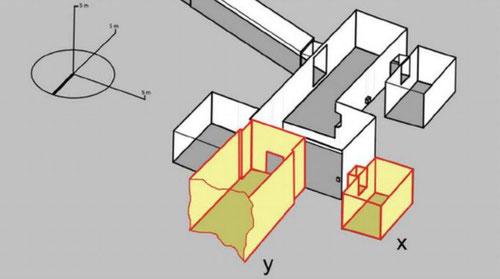 """Mapa elaborado por Reeves sobre la estructura de la tumba de Tutankamón, con las dos cámaras secretas en amarillo. """"x"""" es el almacén lateral, mientras que """"y"""" albergaría la tumba de Nefertiti / Theban Mapping Project ©"""