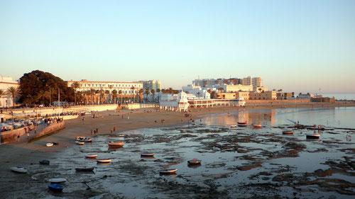 Puesta de sol en la playa de la Caleta, en Cádiz/ Foto (cc): Flickr. Autor: Emilio