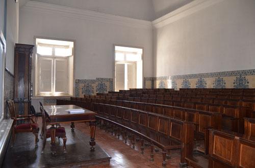 Una de las aulas de la facultad de Derecho de la Universidad de Coimbra. © Lupe Rangel.