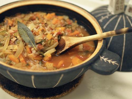 蕎麦の実「カーシャ」のトマトスープ/土鍋Cocciorino