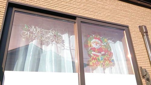 道路側の窓