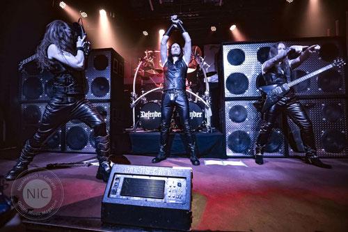 """Im Rahmen der neuen Reihe """"Live@AlfonsX"""" beschallt die Band John Danzen am 14. Dezember den Sigmaringer Bahnhofsclub mit kernigem Gitarrenrock zwischen Blues und Metal. Foto: Promo"""