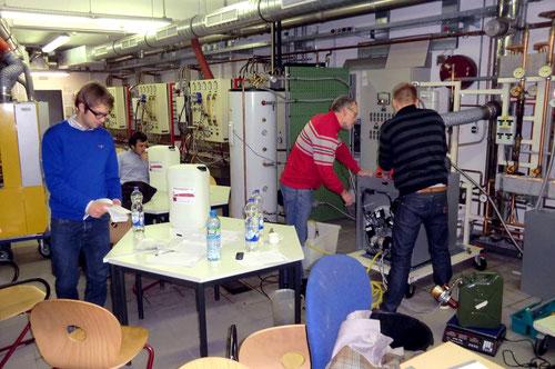 Am offenen Viessmann Heizungssystem Forschungslabor 2 - zielgerichtete Projektarbeit.