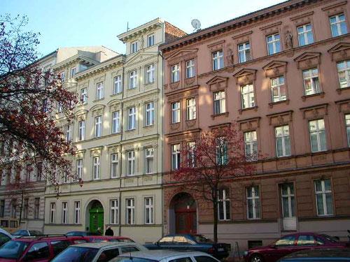 Die ersten Gründerzeithäuser in der Biesentaler Straße  © Diana Schaal