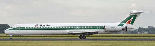 Hier bremst eine MD-82 der Alitalia mit ihrer Schubumkehr ab/Courtesy: Peter van Maaren