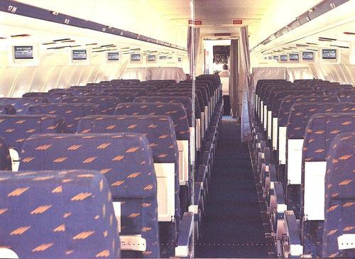 Kabine einer MD-87 der Iberia/Courtesy: McDonnell Douglas