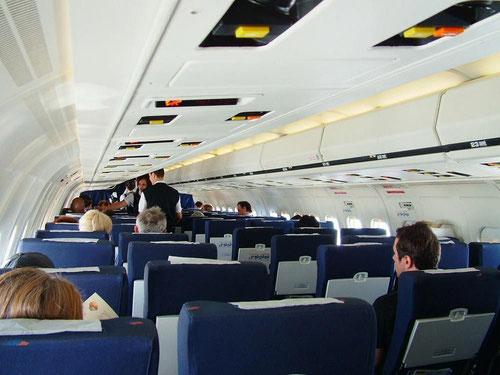 Angenehme Kabinenatmosphäre an Bord einer MD-80 der Spanair/Courtesy: René Posch
