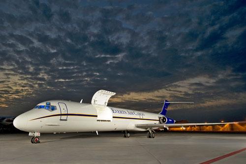MD-82-Frachter mit geöffneter Luke/Courtesy: AEI