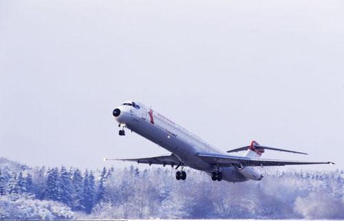 Abflug der MD-81 OE-LDV  zu einem weiteren Shuttledienst/Courtesy: Swissair