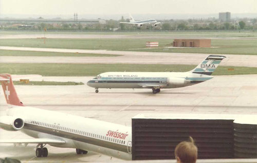 Swissair MD-81 und British Midland DC-9-10 in Amsterdam/Privatsammlung