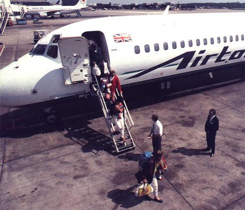 Angenehme und sichere Rückkehr mit einer MD-83 aus dem Urlaub/Courtesy: Airtours International
