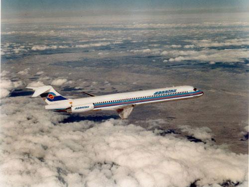 Die moderne MD-83 für Spantax/Courtesy: McDonnell Douglas