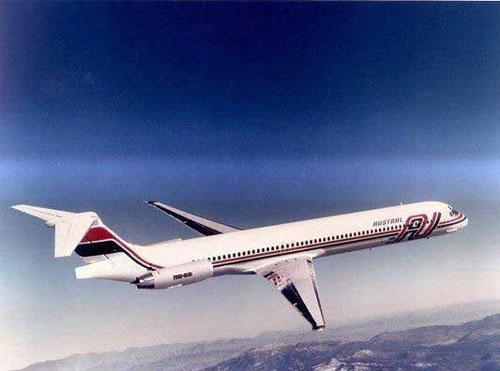 Werbefoto mit einer MD-82 der Austral/Courtesy: McDonnell Douglas