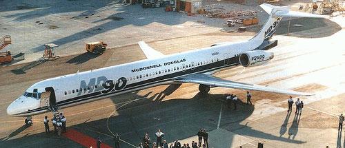 Schnittige Linien zeichnen die MD-90 aus/Courtesy: McDonnell Douglas