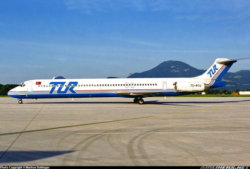 Die McDonnell Douglas MD-83 in Salzburg/Courtesy: Markus Büttinger