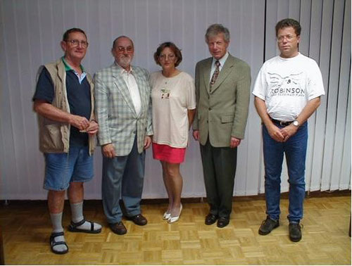 v.l.n.r.: Kassier Eduard Reisch, Ehrenmitglied Gottfried  Eglseder, 2.Vorsitzende Renate Marian, Oberbürgermeister Peter Braun und der 1. Vorsitzende Horst Kessler (HV 2000)