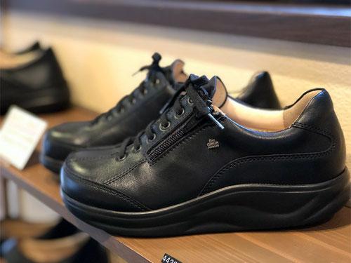 一見すると重そうな靴?でも一番人気の靴でもあります!FinnComfort/OTARU/¥44280