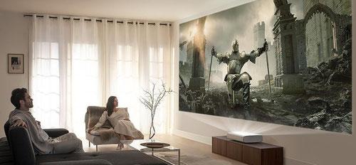 Samsung Laser TV im Wohnzimmer  beamer-freund.de