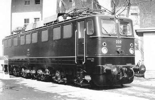Messe Leipzig 1965: DDR Versuchslok 1 als eine von zwei Vorausloks für die Baureihe 251. Sie wurden jedoch nie von der Reichbahn abgenommen.