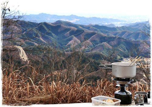 赤雪山山頂からの景色と珈琲