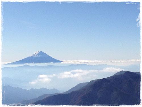 甲武信岳からの富士山