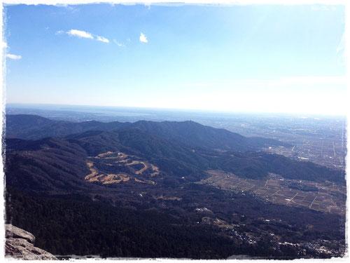 筑波山から望む宝篋山(先週とは逆のアングルで)