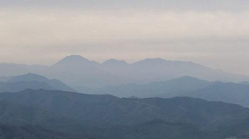 左から、男体山、真名子山、女峰山、赤薙山