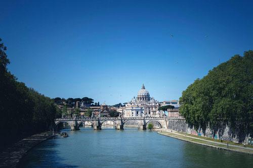 Закажите  авторскую экскурсию по Риму, собор св. Петра в Ватикане