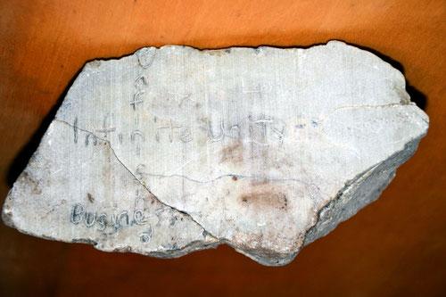 Weiterer Steinfund mit neuen Inschriften. Vermutlich esoterisch!