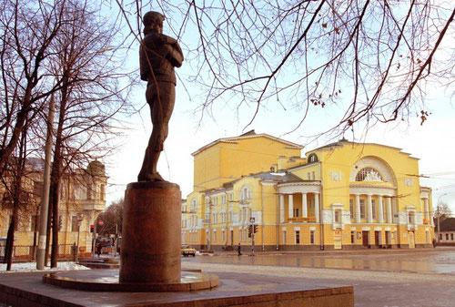 Театр имени Федора Волкова (фото с сайта http://www.imenno.ru)