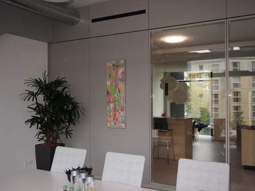 Malerei von Linda Ferrante in Büro- und Geschäftsräumen