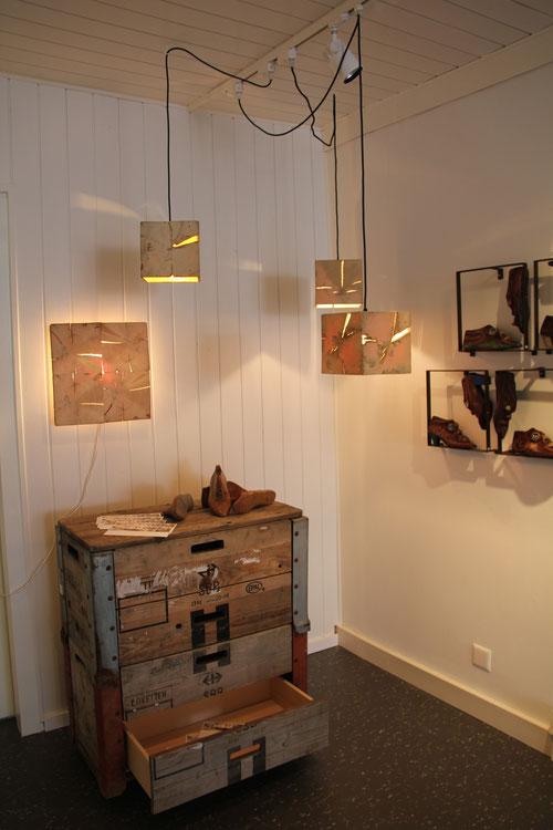 xandx Palettenmöbel Sideboard / Hängeleuchten von almleuchten