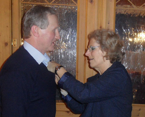 Josef Mair mit Obfrau Klaudia Rahofer