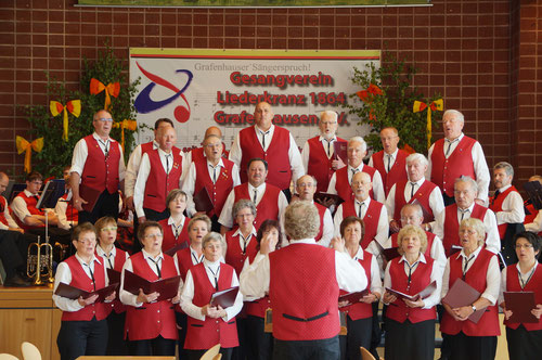 Der Chor  eröffnet mit dem Sängerspruch das Festbankett