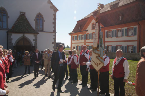 Spalier mit dem Schirmherrn  Bürgermeister Christian Beringer und Ehrenbürger Erich Kiefer