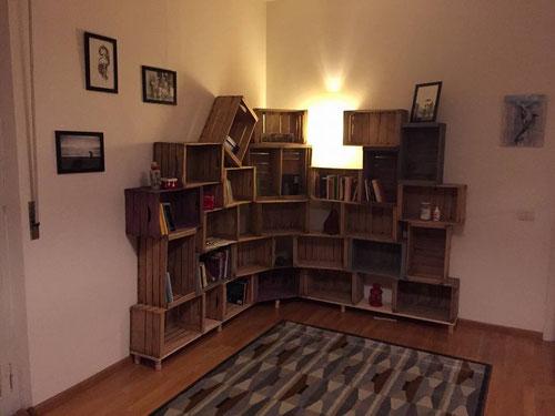Libreria creata con vecchie cassette della frutta! prodotta e realizzata da SCRAP RESURRECTION