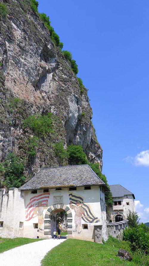 Burg Hochosterwitz Tor, burg hochosterwitz aufstieg, burg hochosterwitz sage