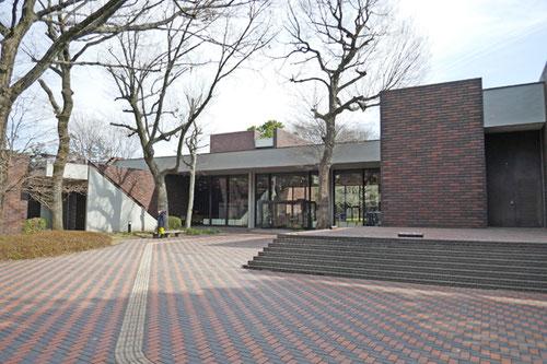 埼玉県立歴史と民俗の博物館 設計:前川國男 1971