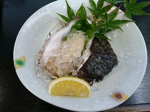 山田屋 岩カキ