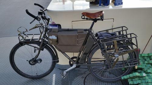 Fahrrad 93 auf der Rheinfähre MB-Langst - D-Kaiserswerth