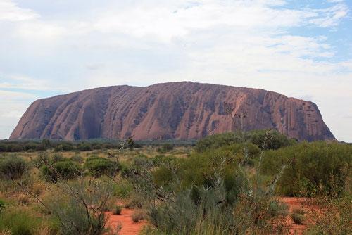 Uluru um die Mittagszeit