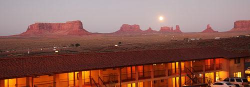Gouldings Lodge bei Mondschein
