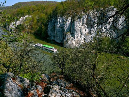 Blick von der Langen Wand auf  den Donaudurchbruch bei Weltenburg (sog. Weltenburger Enge)
