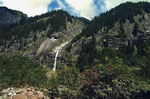 Hoher Wasserfall im Floitengrund - einem Hochtal von wildherber Schönheit
