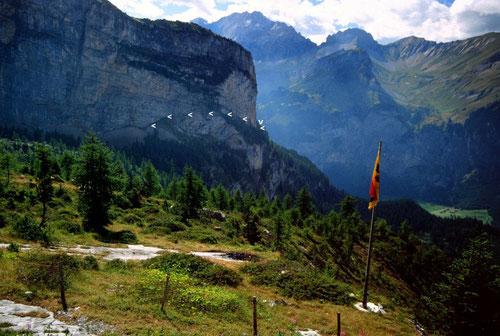 Der nur für Geübte geeignete  Felsensteig Ober Biberg am Fisistock Foto-Standort: Doldenhornhütte.
