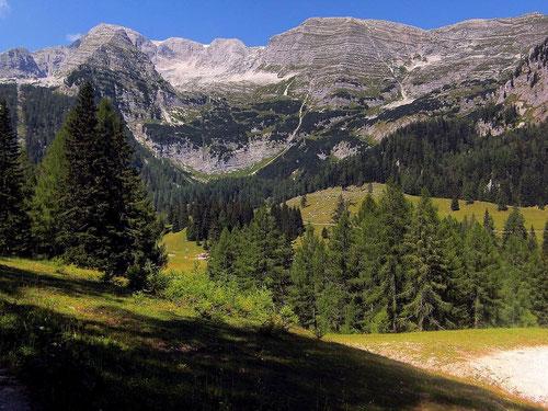 Warscheneck(kamm) von der Wurzeralm (Nähe Standseilbahn)