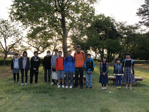 5:30結城城跡公園に到着。これから自分の学習場所を見つけて、PSM学習が始まります。