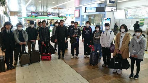 土浦駅に到着!!期待と不安の中、合宿に立ち向かっていきます。自分自身としっかり向き合える2泊3日になるといいですね。