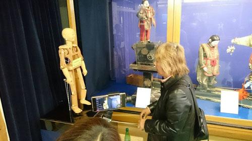 犬山市はからくり人形で有名のようです。からくり人形館に立ち寄ってみました。このような精巧な人形を作る昔の人たちを、本当に尊敬します。